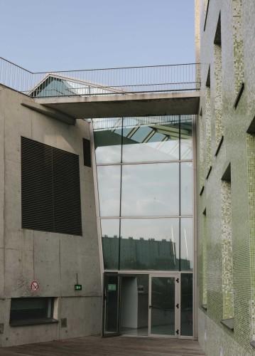 Anticamera Iguane Paris Building 01