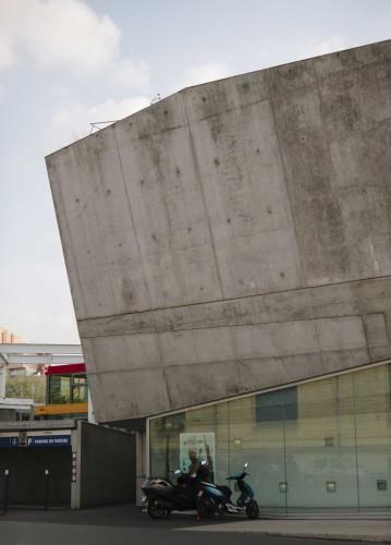 Anticamera Iguane Paris Building 02