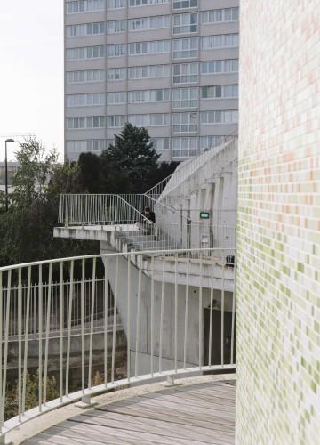 Anticamera Iguane Paris Building 18